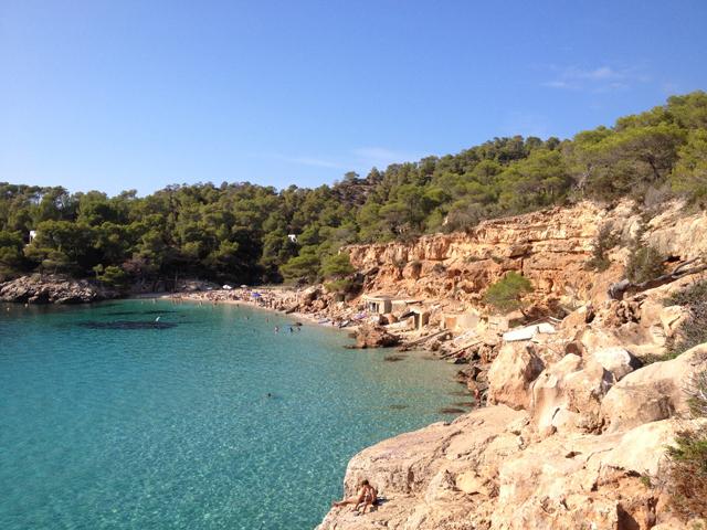 ibiza-beach-saladeta-strand-natuur-schoon-hotspot-cala-go-to