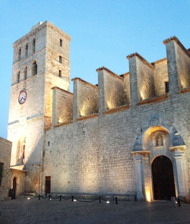 Dalt-vila-ibiza-hotspot-old-town-werelderfgoed-unesco-world-heritage