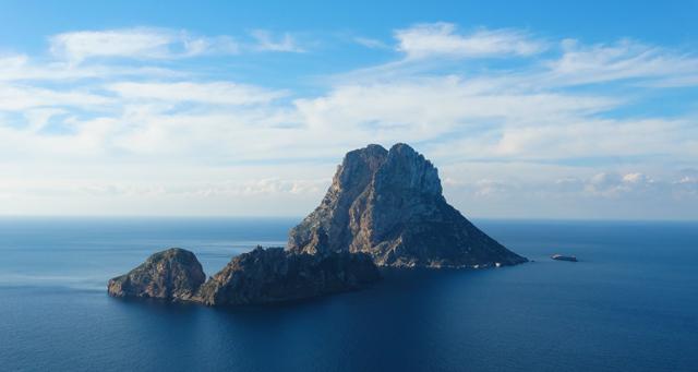 es-vedra ibiza-hotspot-view-lookout-magic-cala-dHort-travel-Island-spain-travel